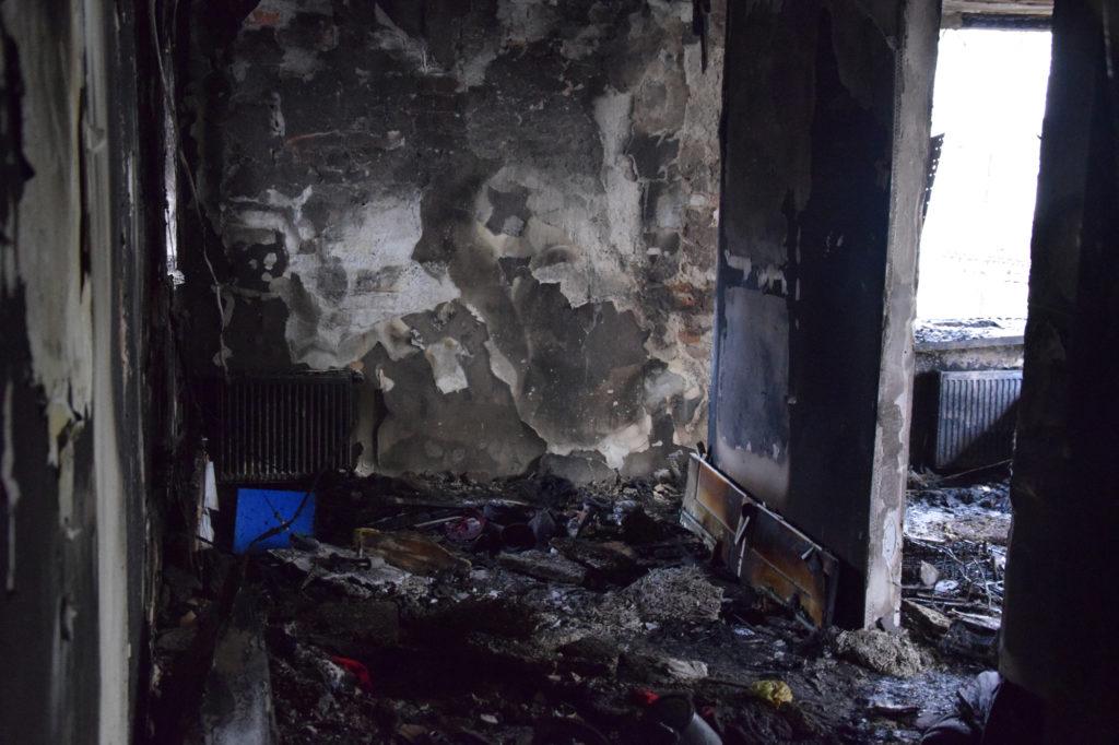Pożar na Zoliborzu. Mieszkanie przy Sarbiewskiego doszczętnie spłonęło