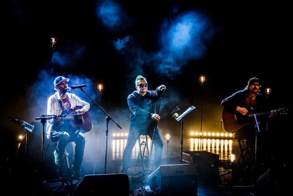 Fragment jednego z koncertów projektu Muniek i Przyjaciele – zdjęcia dzięki uprzejmości p. Leszka Zająca i FP T.Love/Muniek