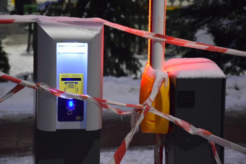 Od kiedy zapłacimy za parkowanie na terenie OSiR? - Czekamy na podpisanie umowy w sprawie realizacji płatności zbliżeniowych - wyjaśnia w rozmowie z Gazetą Żoliborza Michał Szpakiewicz, dyrektor OSiR Żoliborz.